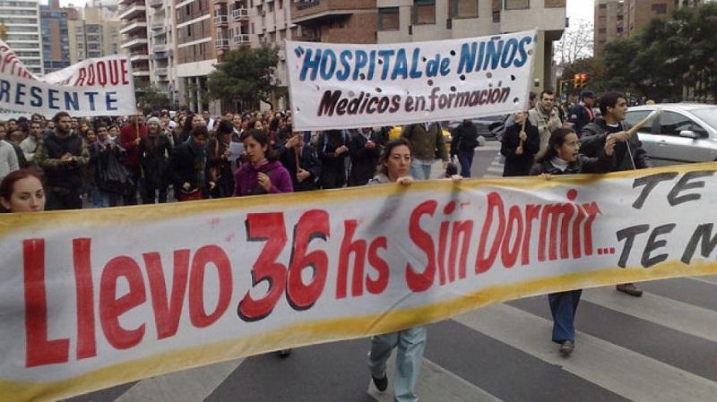 Córdoba: 900 médicos residentes van al paro el próximo lunes