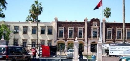 Convocan a huelga los dos sindicatos de la Universidad de Sonora