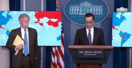 """EE. UU. filtra una amenaza intervencionista mostrando la anotación """"5.000 tropas a Colombia"""""""