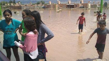 Por las lluvias crece el número de evacuados en San Juan