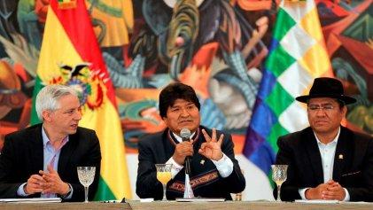 """Crisis en Bolivia: Evo reafirma su triunfo y habla de """"golpe de Estado"""" mientras la oposición convoca a un paro cívico"""