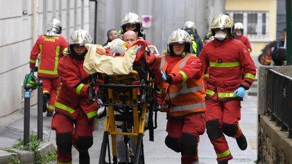 Dos heridos por ataque con cuchillo frente a la exsede de Charlie Hebdo en París