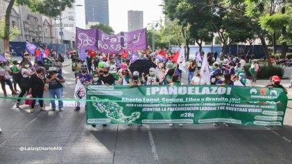 En Ciudad de México reprimieron la marcha por el derecho al aborto