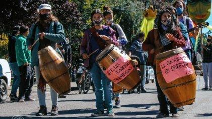 Artistas autoconvocados de Junín de los Andes salen a las calles