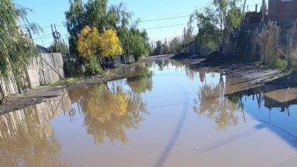 Los barrios populares de Cipolletti bajo el agua
