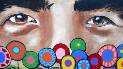 Chelo Candia: un mural con mil flores para Facundo