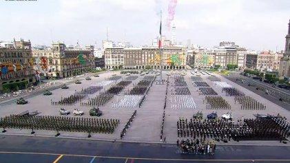 En el desfile militar, López Obrador llama a la reconciliación Cuba-Estados Unidos