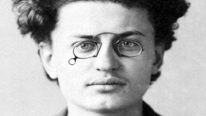 El joven Trotsky: de la pasión por los libros a la Revolución