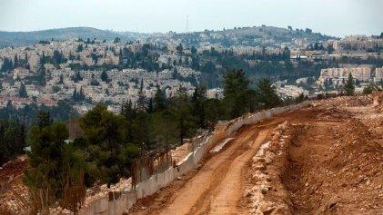 """Palestinos pedirán que se considere a los asentamientos como """"crímenes de guerra"""""""