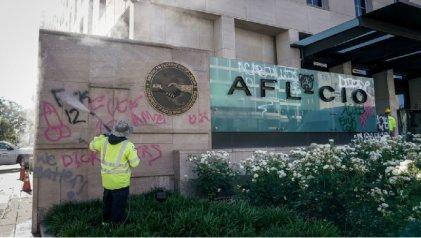 Sindicato de la Universidad de Nueva York llama a expulsar policías de la AFL-CIO
