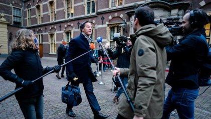 Renuncia el Gobierno holandés tras el fraude de las ayudas sociales a menores