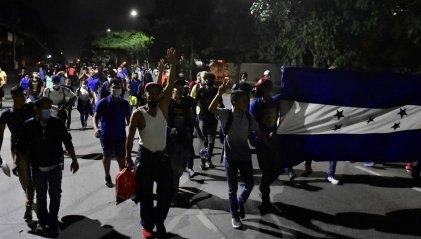 Con seis mil personas inicia una nueva caravana migrante desde Honduras