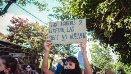 Mendoza: Municipalidad de San Martín avala imputaciones por pegar carteles de Ni Una Menos
