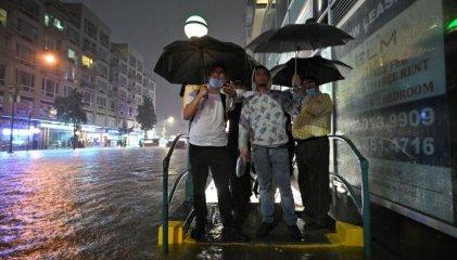 """Inundaciones en Nueva York: """"Mi ciudad estuvo bajo el agua debido al capitalismo"""""""