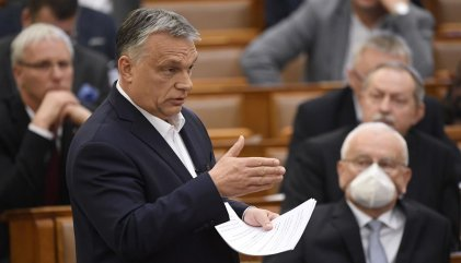 "El Parlamento húngaro da ""plenos poderes"" al primer ministro Viktor Orbán"