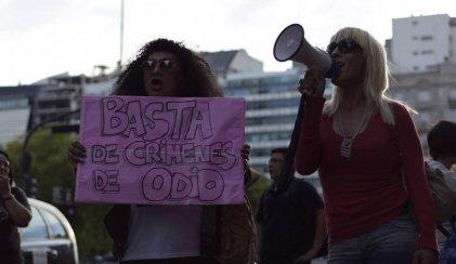 Frente a la Casa de Misiones exigieron #JusticiaPorEvelyn y basta de travesticidios