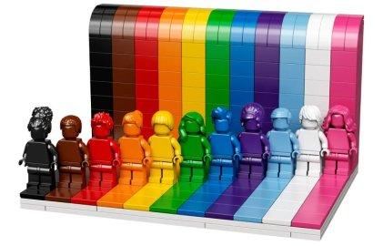 LEGO presenta su primer set LGBTIQ: ¿la diversidad a la venta?