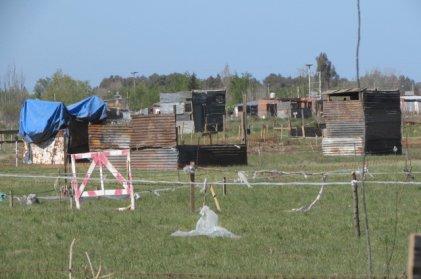 Bahía: Vecinos de Don Bosco denuncian disparos desde el predio de la UF a metros de la toma