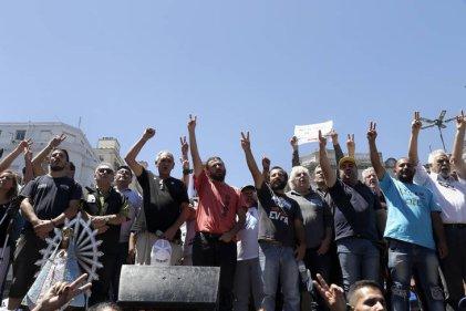 """Los movimientos sociales marcharon por """"tierra, techo y trabajo"""""""