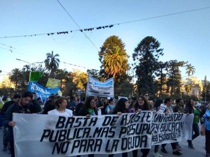UNJu: docentes continúan el paro y ratifican apoyo a los estudiantes