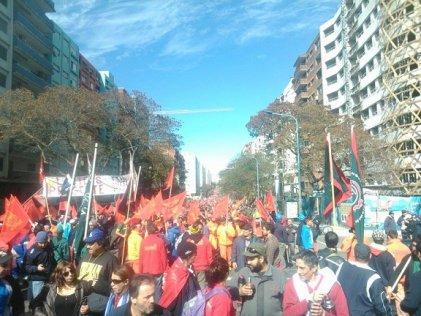 Más de 40 mil trabajadores se movilizaron en Montevideo