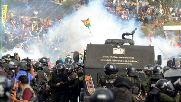 """En 4 días de """"recuperación de la democracia"""": muertes, detenciones, heridos y persecución"""