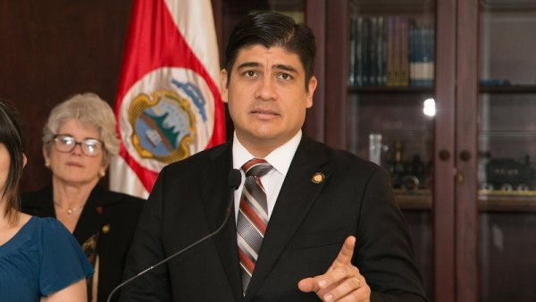 En Costa Rica el Gobierno se inclina ante el FMI y ajusta a los trabajadores