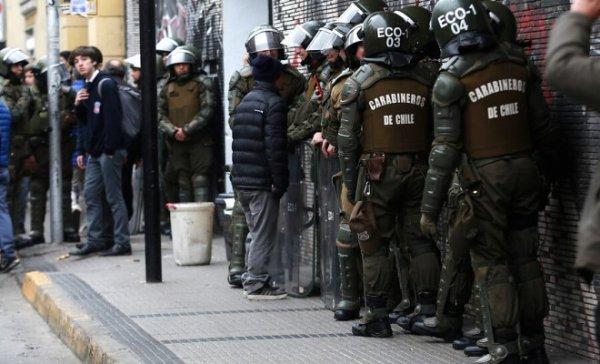 Persecución a la juventud y represión a las poblaciones marcan el inicio del tramposo proceso constituyente